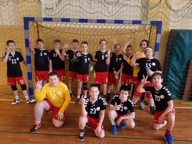Młode drużyny walczyły ze zmiennym szczęściem