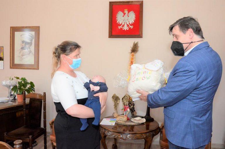 Paka dla niemowlaka na powitanie