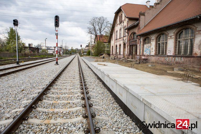 Od grudnia pociągiem pod Ślężę i do Wrocławia? Udostępniono projekt rozkładu jazdy