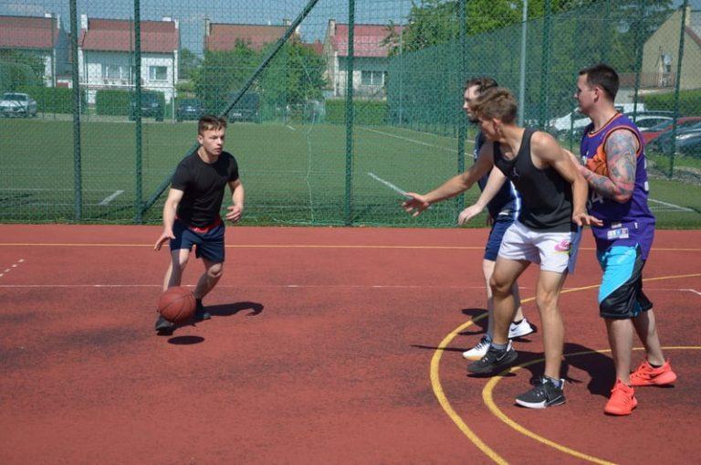 Walka o tytuł w turnieju koszykówki ulicznej