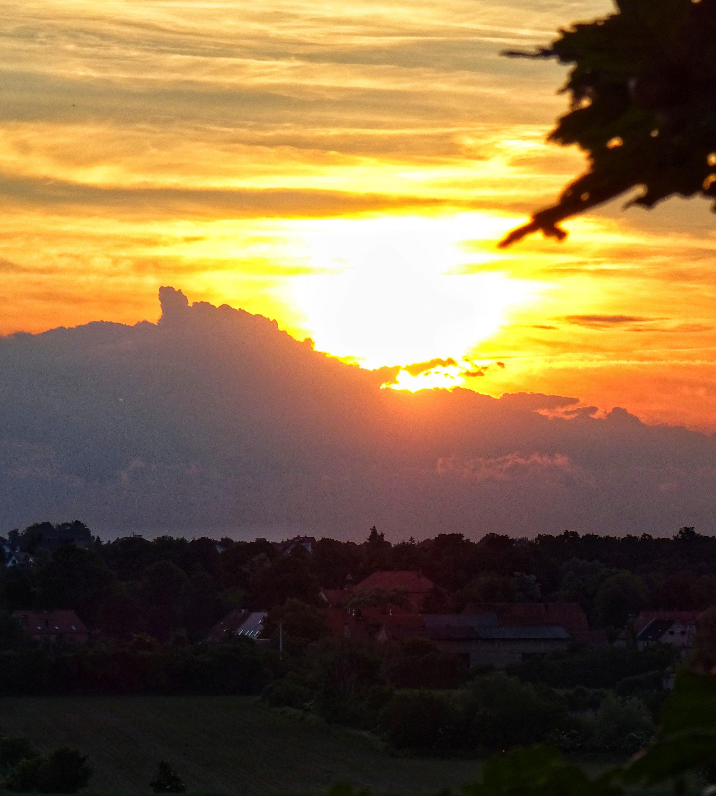 Zachód słońca nad Kraszowicami. Fot. Leszek Krawiec