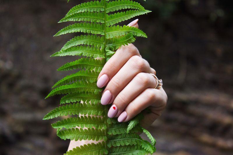 manicure ochota