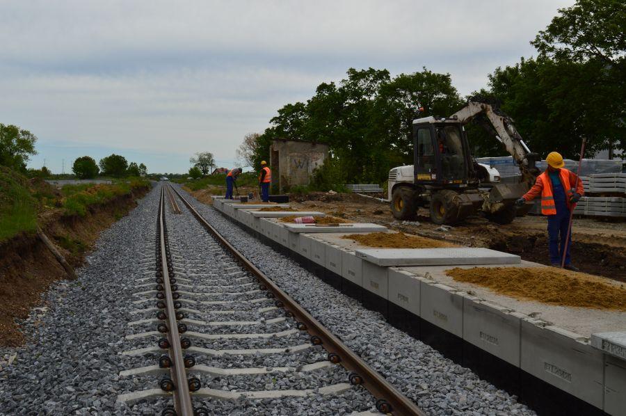 Rogów Sobócki - budowa peronu