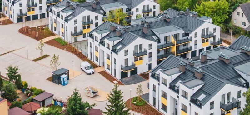 niskie bloki mieszkalne, widok z góry